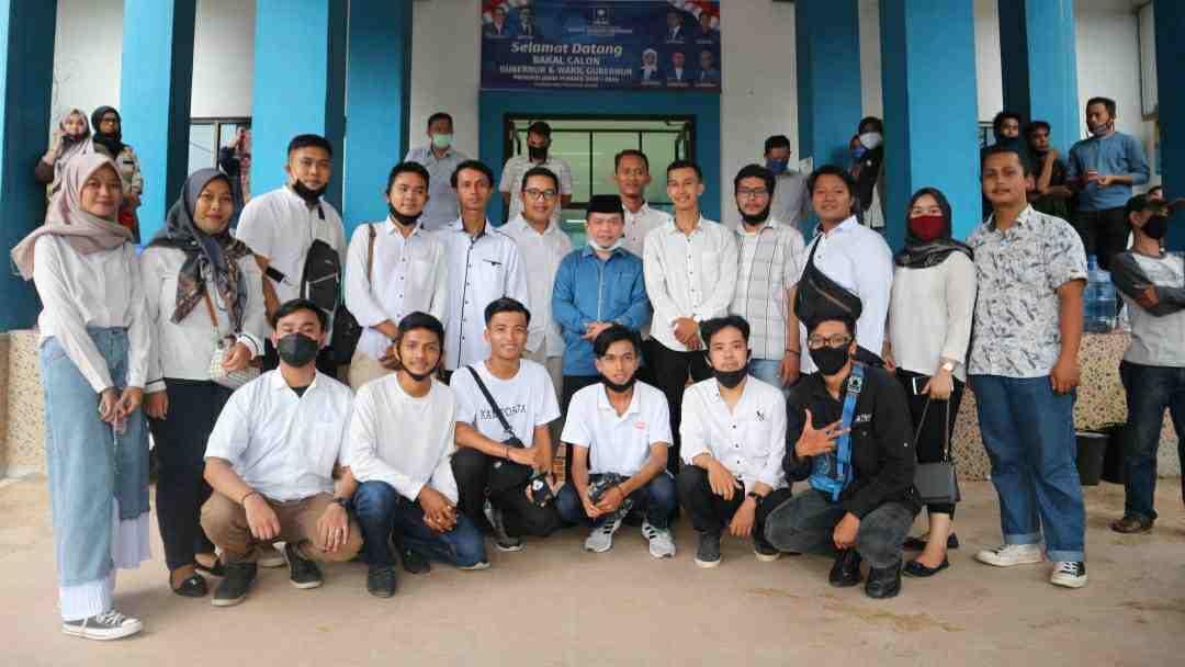GEMA Kota Jambi saat dampingi Al Haris kembalikan formulir di DPW PAN Provinsi Jambi