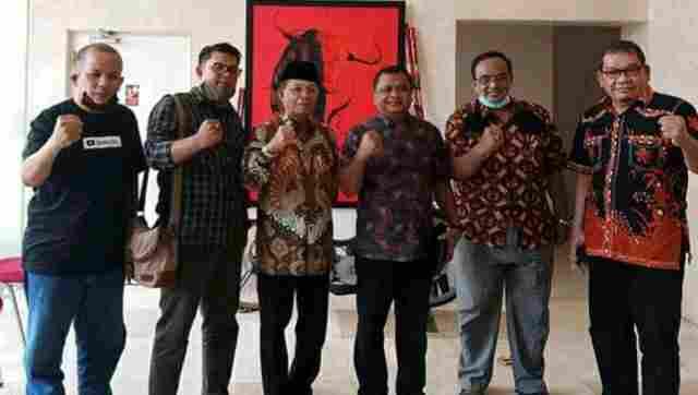 Fachrori Umar (tiga dari kiri) dan Kabid Bappilu DPP PDI Perjuangan, Bambang Wuryanto