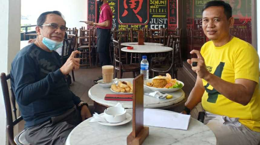 Fauzi (kanan) dan Asari Syafii