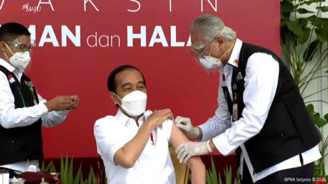 Presiden Jokowi saat di suntik Vaksin Covid-19