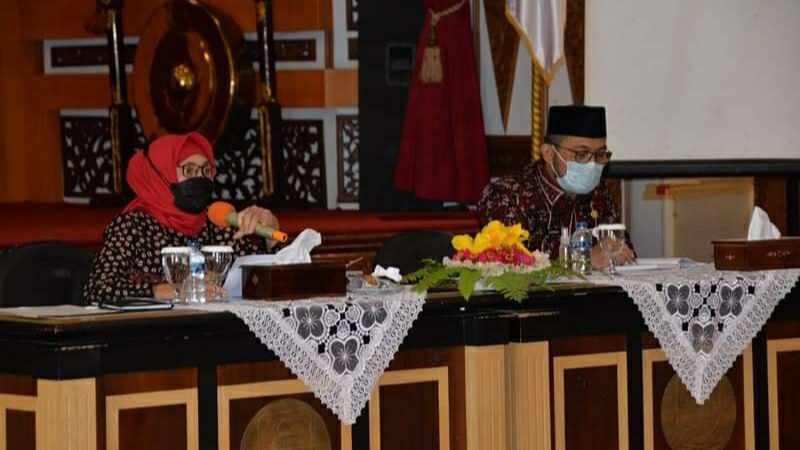 Pj Gubernur Jambi saat rapat perdana