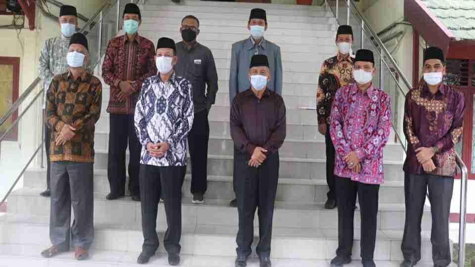 Foto bersama usai rapat kesepakatan bersama terkait pelaksanaan Ibadah Salat Idulfitri 1442 H/2021 M