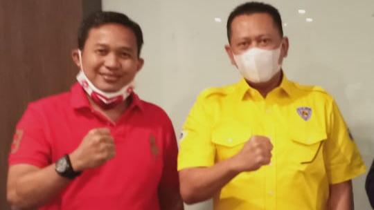 Asari Syafii (kiri) dan Bambang Sosatyo