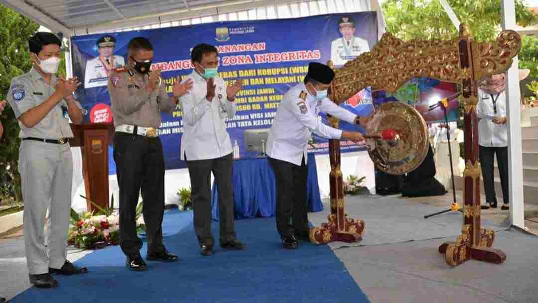 Al Haris saat hadiri zona pencanangan WBK dan WBBM Samsat Kota Jambi dan RSUD Raden Mattaher Jambi