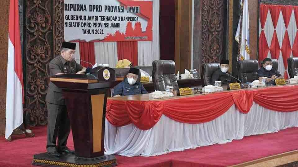 Gubernur Al Haris saat hadiri rapat paripurna di DPRD Provinsi Jambi