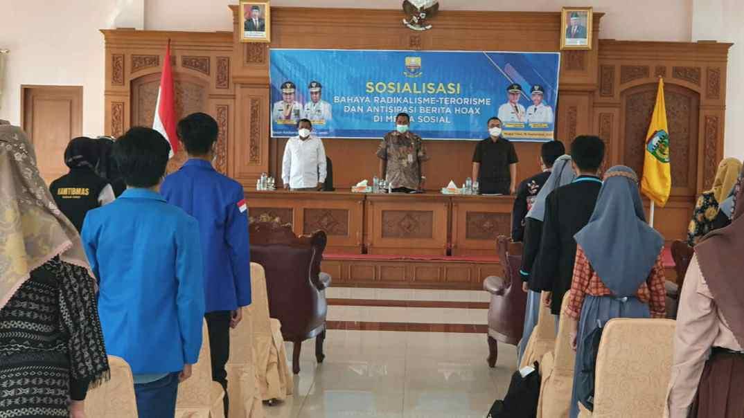 Sosialisasi bahaya radikalisme dan terorisme ke pelajar di Tebo oleh Kesbangpol Provinsi Jambi