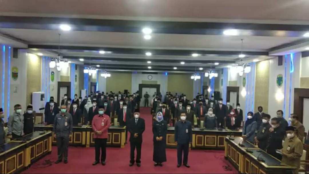 Wagub Abdullah Sani saat melantik pejabat eselon III dan IV Pemprov Jambi