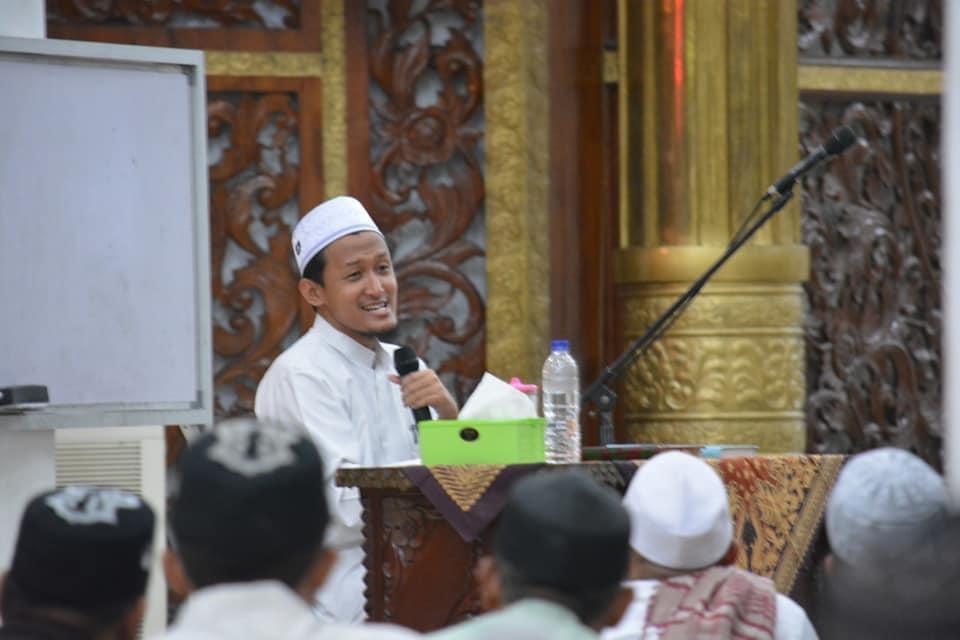 Ustadz Dr. KH. Zainul Arifin, M.Ed, MA