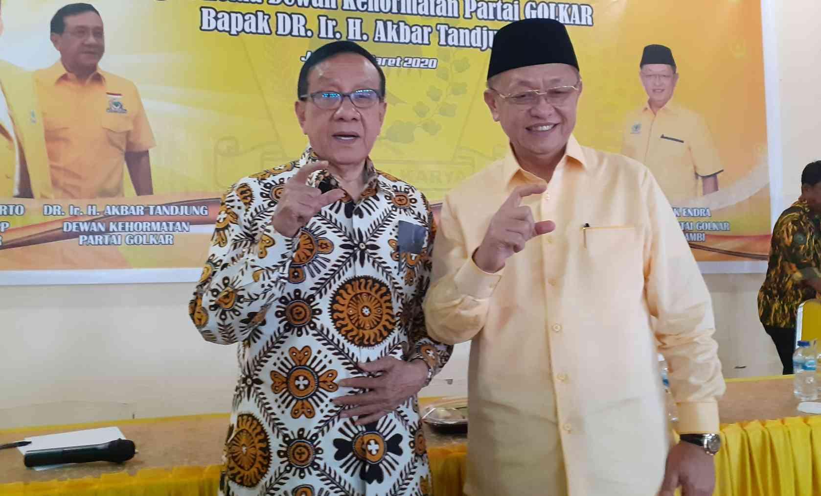 Bacagub Jambi, Cek Endra saat bersama Akbar Tanjung