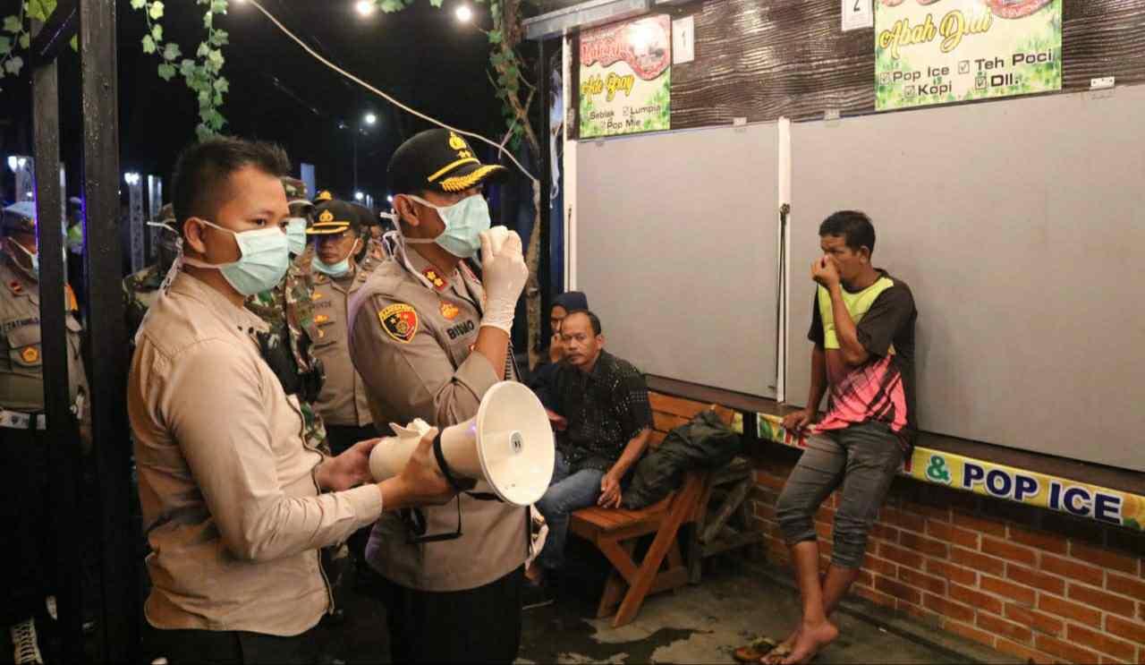 Kapolres Majalengka, AKBP Dr. Bismo Teguh Prakoso, SH, S.I.K, MH saat imbau warga