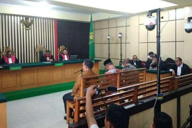 Jaksa KPK Tuntut Elhelwi Cs 5 Tahun Penjara