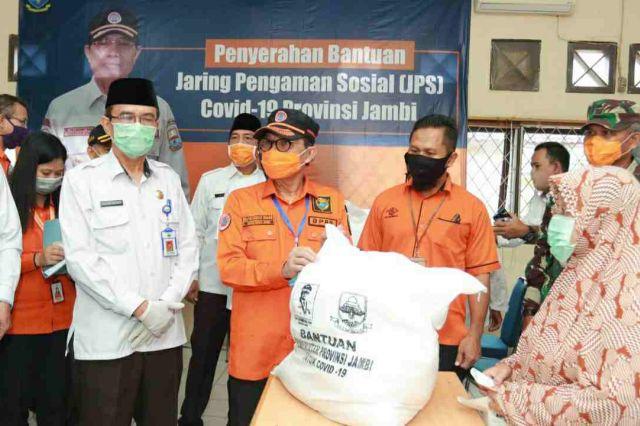 Kurangi Beban Masyarakat, Gubernur Jambi Salurkan Bantuan JPS Covid-19