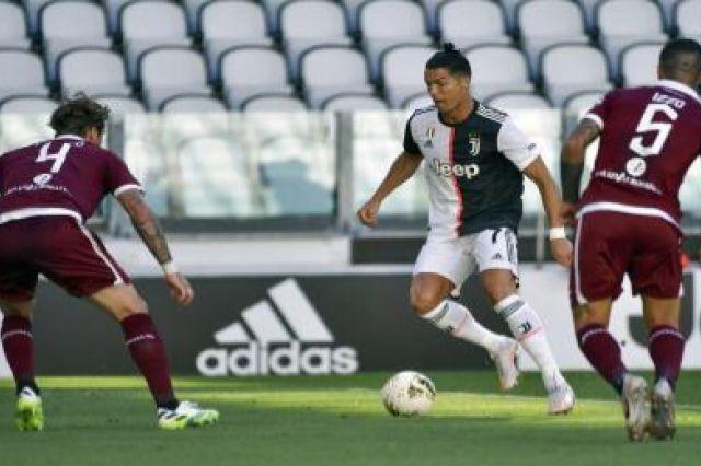 Kandaskan Torino, Ronaldo Ukir Gol Perdana Melalui Freekick untuk Juventus