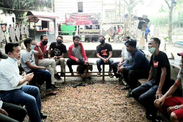 Berkunjung ke Kedai Menapo Candi Muaro Jambi, Al Haris 'Diserbu' Millenial