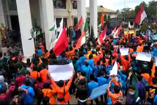Edi Purwanto Sebut Siap Perjuangkan Tuntutan UU Cipta Kerja, Mahasiswa: Buktikan