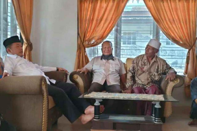 Turun ke Penerokan Bajubang, Al Haris Silaturahmi dengan Sejumlah Tokoh Masyarakat