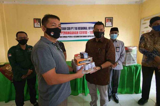 Kemas Faried Alfarelly Fasilitasi Bantuan CSR  PT TGI Penanganan Covid-19 di Kota Jambi
