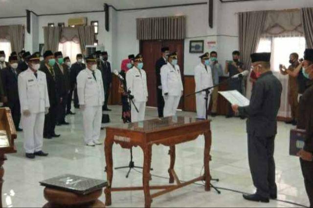 Bupati Adirozal Lantik Pejabat Eselon III dan IV di Lingkup Pemkab Kerinci