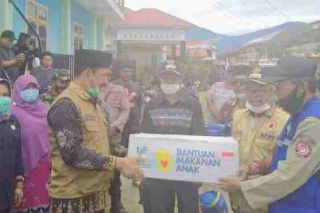 Tinjau Banjir di Tiga Desa Tanjung Tanah, Wabup Kerinci dan Sekda Asraf Serahkan Bantuan