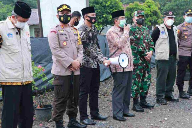 Bupati Anwar Tinjau Posko Penyekatan Idul Fitri di Desa Suban