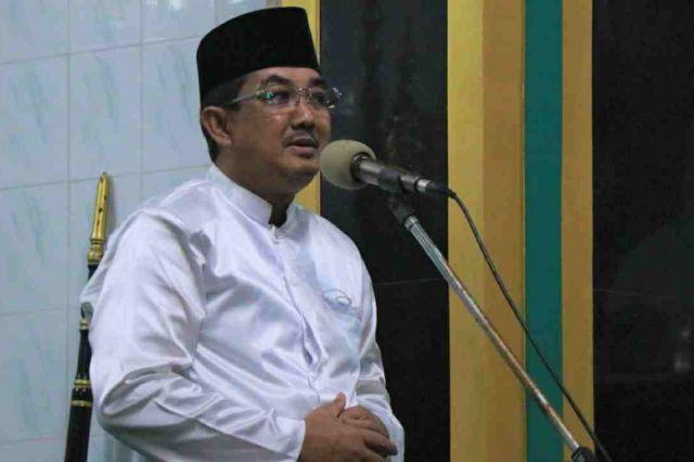 Bupati Anwar Laksanakan Sholat Tarawih di Masjid Agung Al Istiqomah Kuala Tungkal