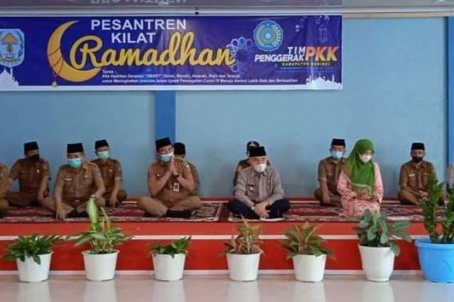 Bupati Adirozal Didampingi Ketua TP PKK Nailil Husna Buka Pesantren Kilat Ramadhan