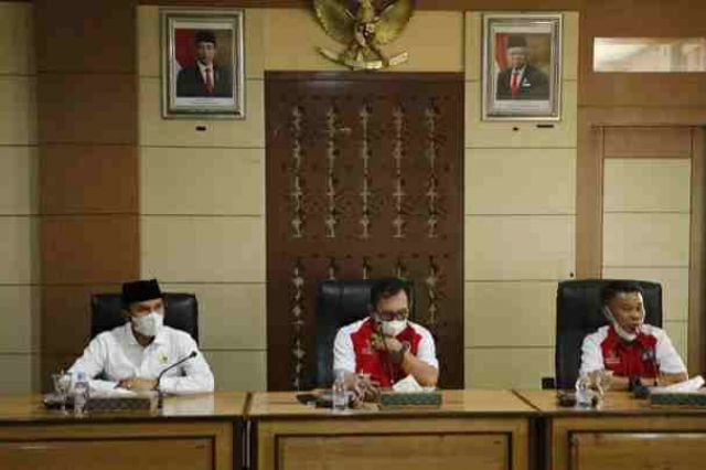 Bahas Penanganan Covid-19, Wako Ahmadi dan Ketua DPRD Provinsi Duduk Bersama Para Tokoh Masyarakat