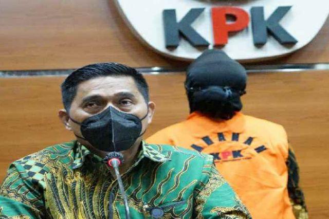 KPK Tahan Tersangka Perkara Pengadaan di Perum Jasa Tirta II Tahun 2017