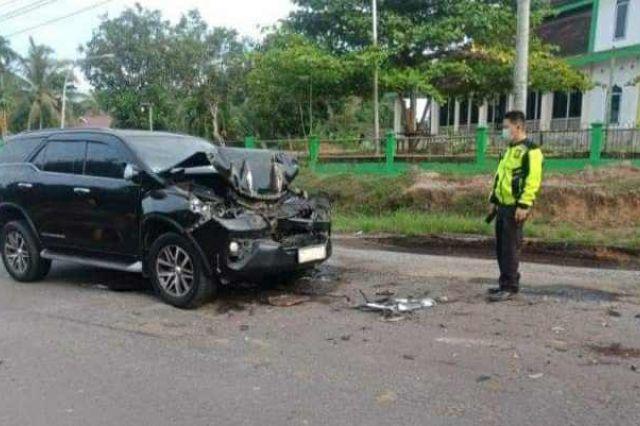 Mobil Bupati Mashuri Alami Kecelakaan di Batanghari
