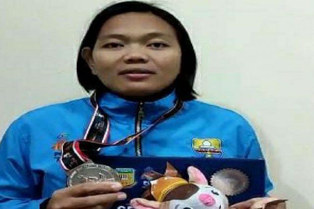 Anggota Satpol PP Kota Jambi, Indri Sukmaningsih Raih Perak di PON Papua