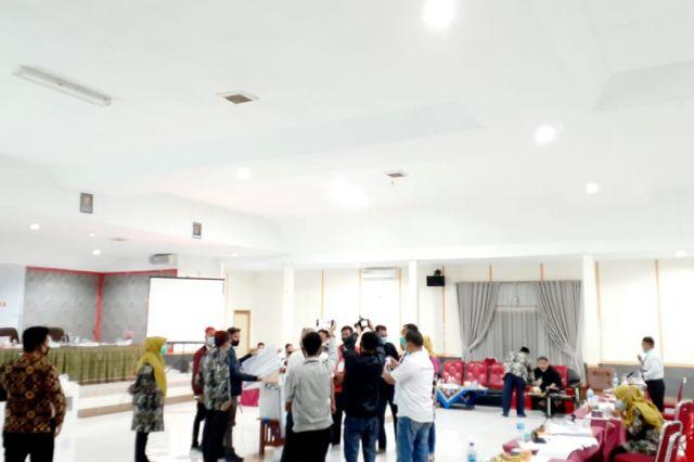 Pleno Kota Sungai Penuh Gagalkan Penggelembungan Suara CE-Ratu, Keunggulan Haris-Sani Melebar