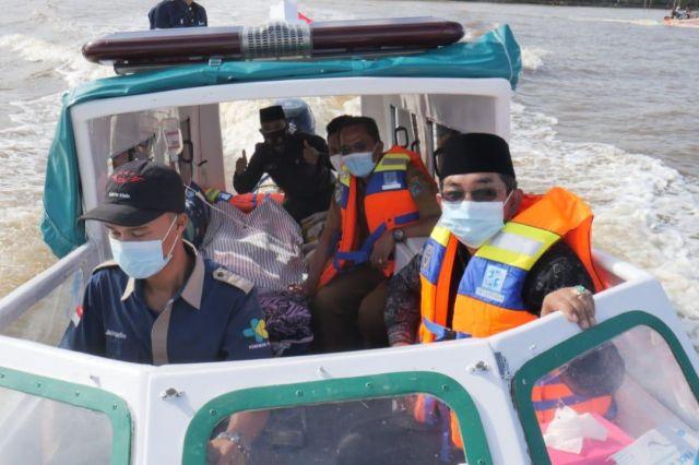 Bupati Anwar Resmikan Ambulance Air di Wilayah Kabupaten Tanjab Barat