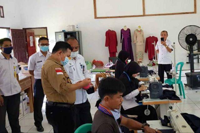 Al Haris: BLK Produksi 1000 Masker Perhari